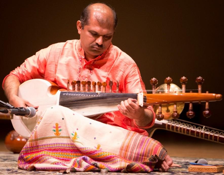 Gaurang Doshi playing sarod