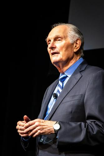 Copy of UNCG Alan Alda-25
